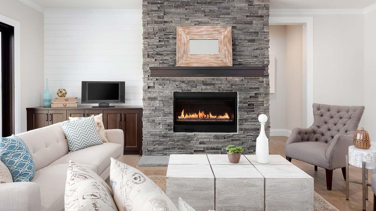 Ein Kaminofen im Haus sorgt für behagliche Wärme - moderner Kamin