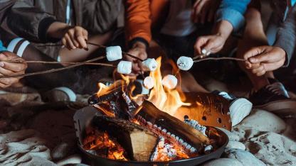 Marshmallow grillen - der Hit für Kids im Winter