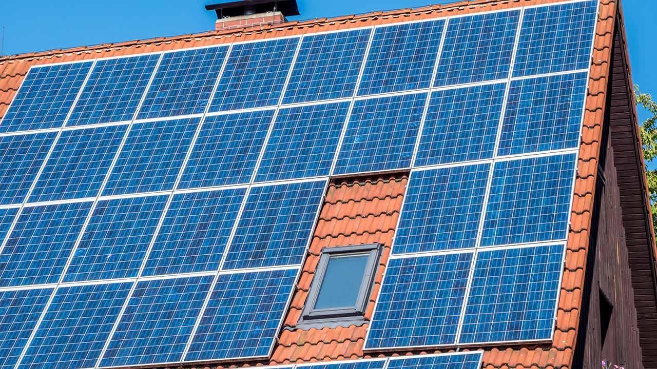 Lohnt sich eine Photovoltaik-Anlage - montiert am Dach