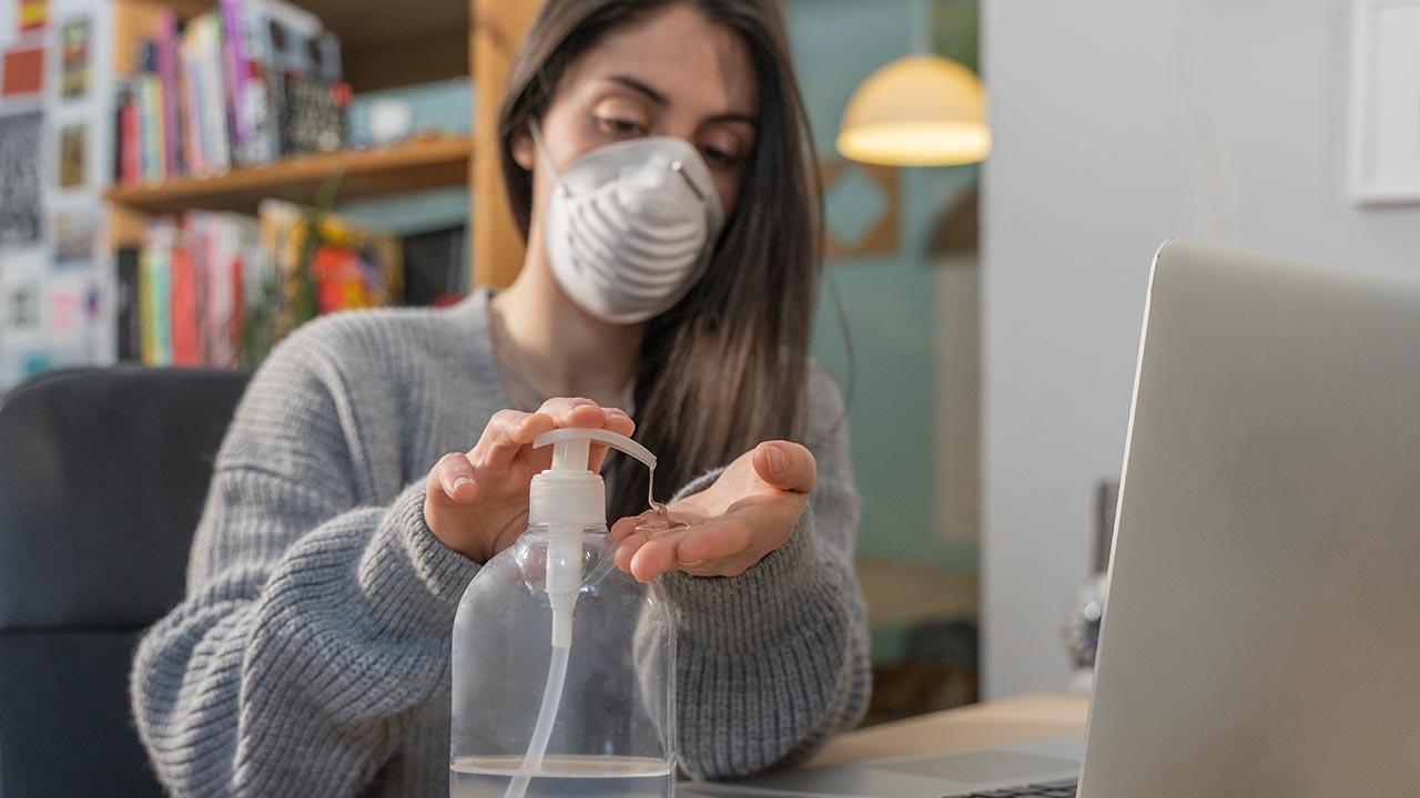 Corona - wichtige Hygiene und Verhaltensregeln zum Infektionsschutz - Desinfektion am Arbeitsplatz