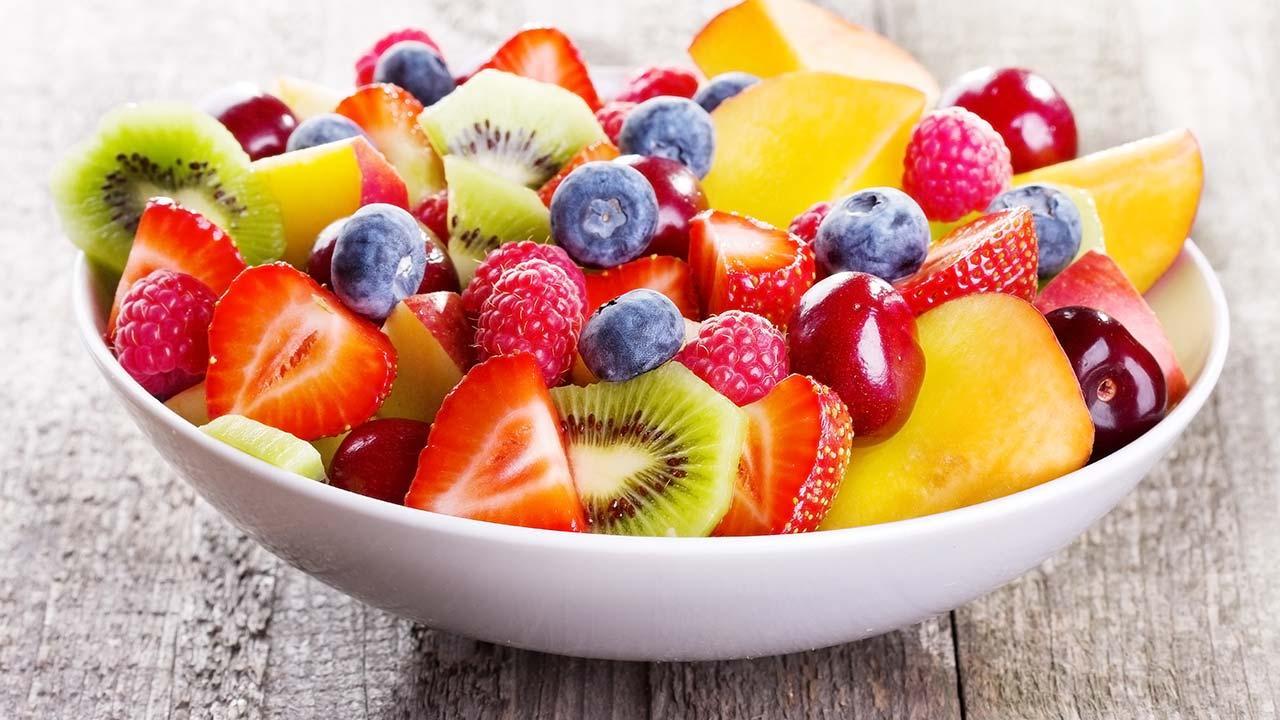 Selbstgemachte Snacks für den perfekten Filmeabend - Fruchtsalat