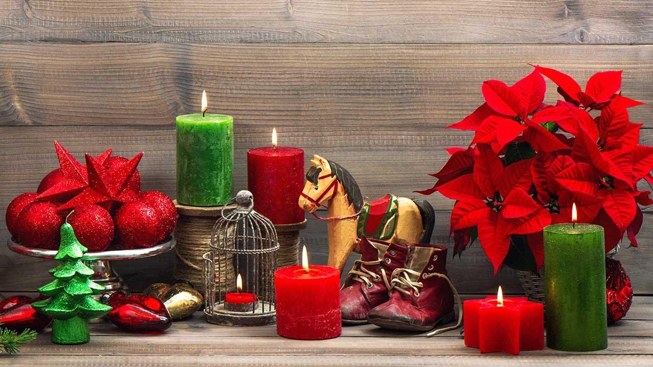 Der Weihnachtsstern - mit Kerzen und Kugeln