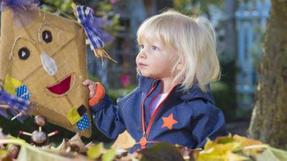 Tolle Drachen selber basteln mit Kindern - Mädchen