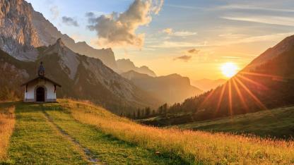 Abwechsungsreiche Wanderrouten im Karwendelgebirge
