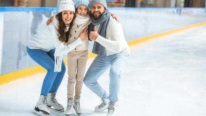 Eislaufen mit der ganzen Familie - in der Eishalle