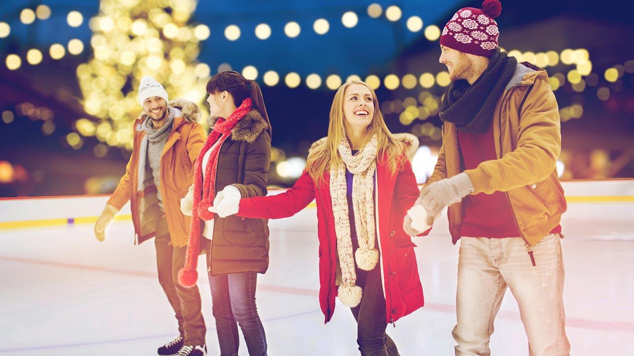 Eislaufen mit der ganzen Familie - am Abend