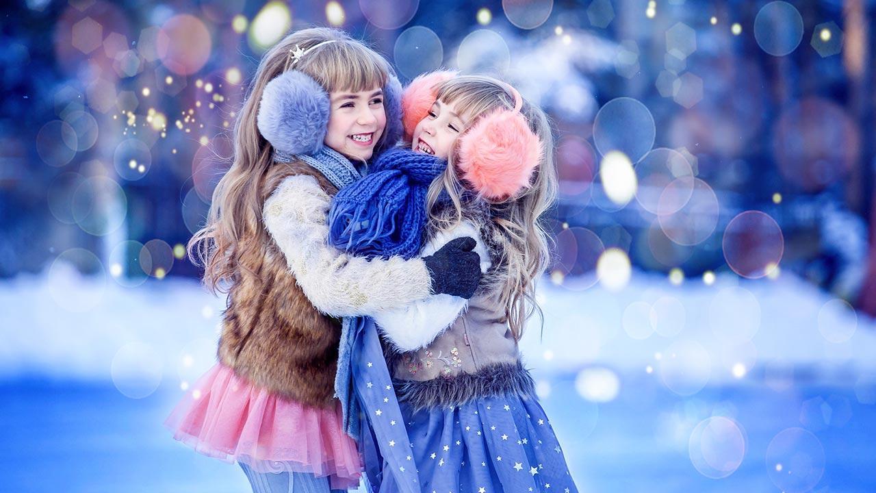 Eislaufen mit der ganzen Familie - 2 Mädchen