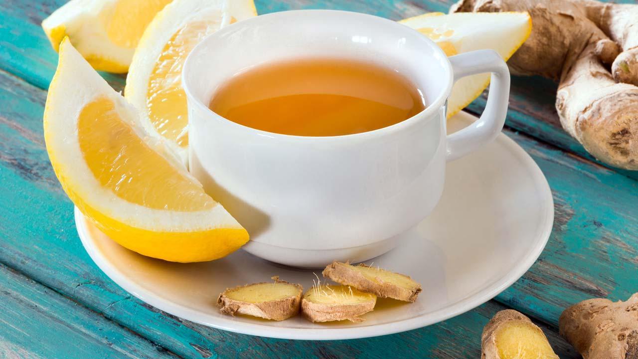 Die besten Erkältungstees für den Winter - mit Zitrone
