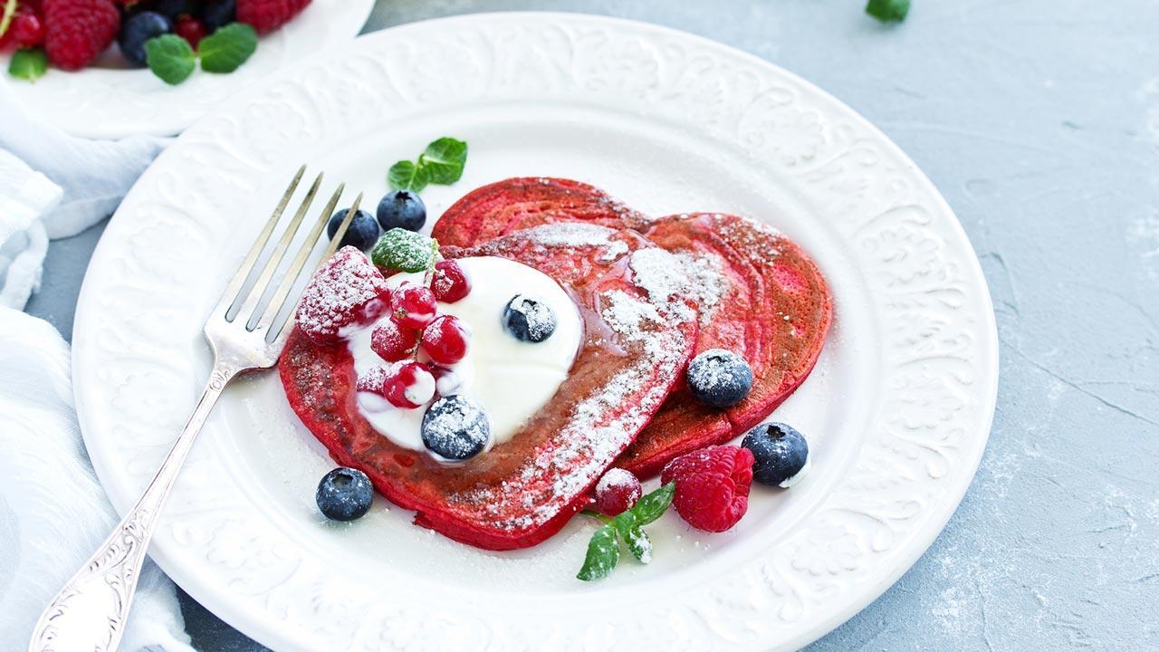 Das schönste Geschenk für Ihn am Valentinstag - Pancake in Herzform