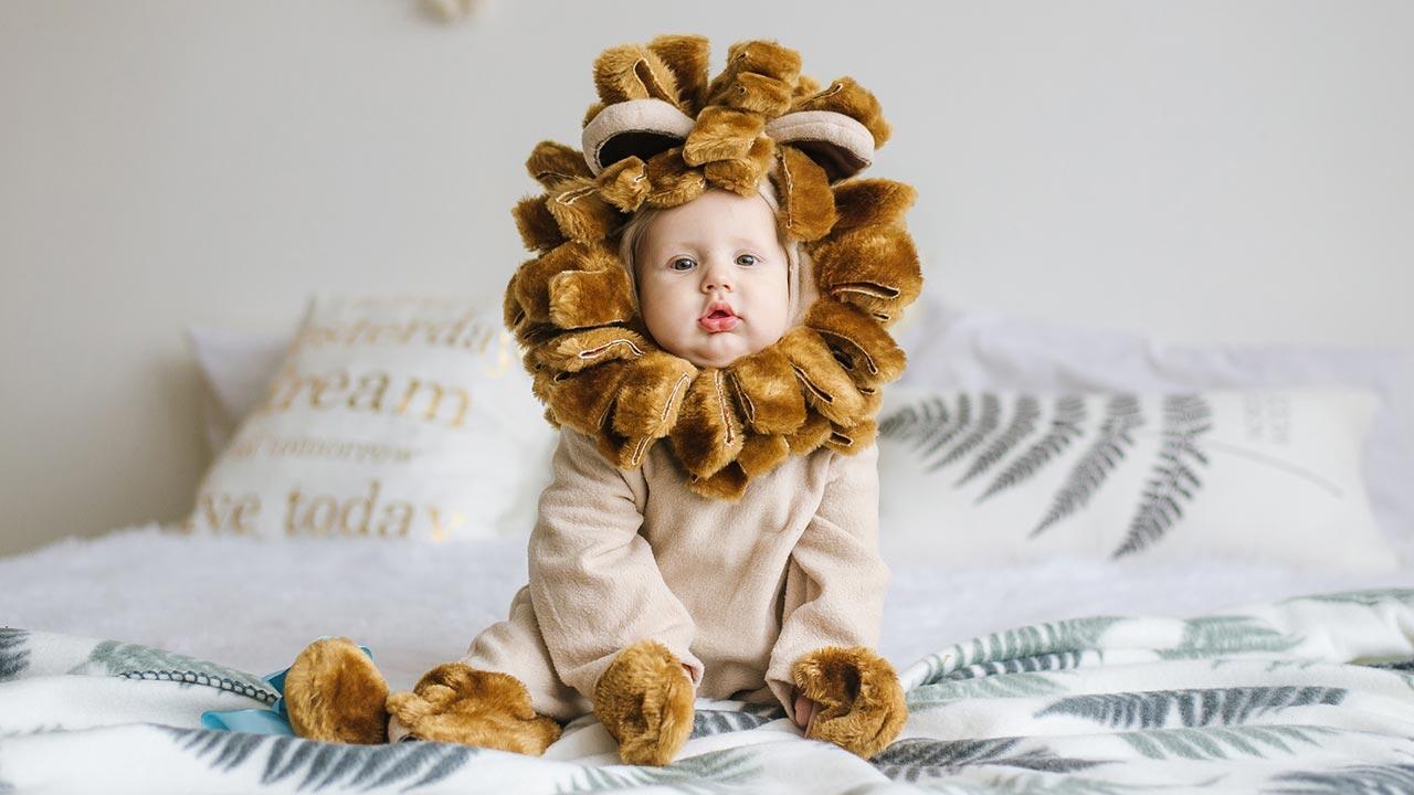 Die 5 schönsten Kinder Faschingskostüme - Baby als Löwe