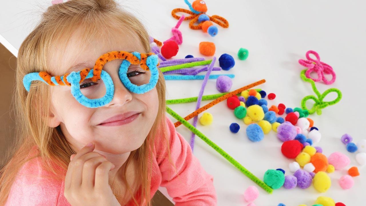 Faschingsdeko selbst gemacht - Faschings Brillen aus Pfeifenreiniger