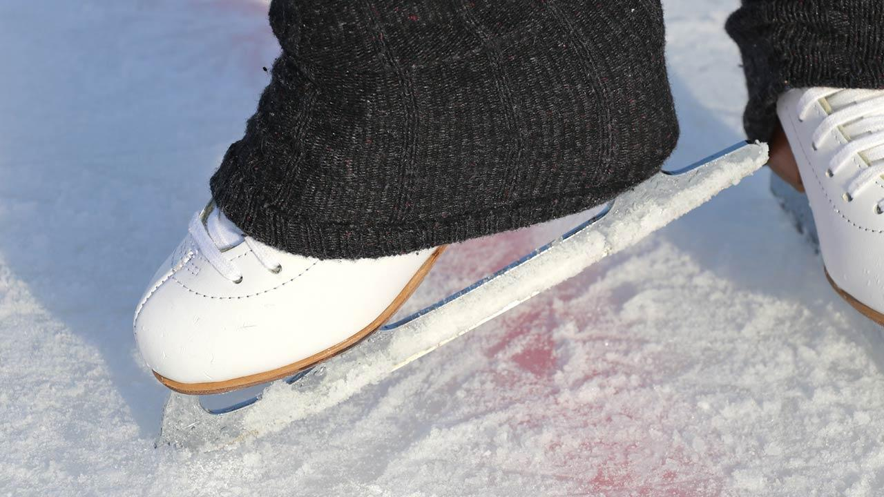 Eiskunstlaufschuhe oder Eishockeyschuhe - Vor- und Nachteile - Eiskunstlaufschuhe