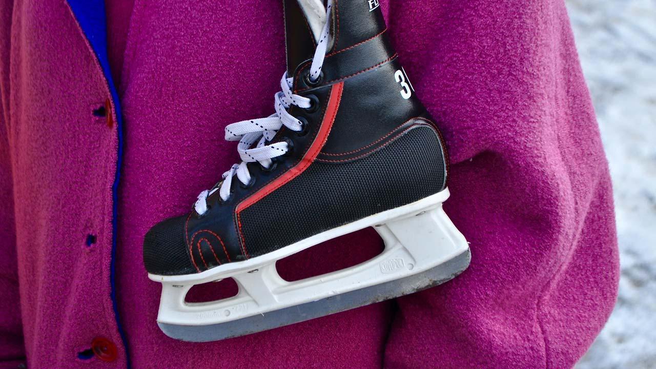 Eiskunstlaufschuhe oder Eishockeyschuhe - Vor- und Nachteile - Eishockeyschuhe