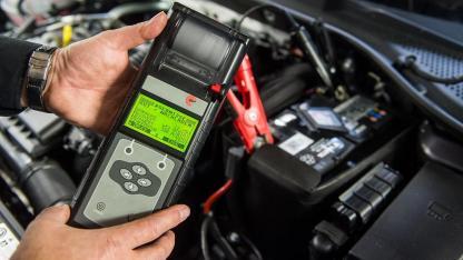 Autobatterie leer - Tipps und Tricks zum Starten