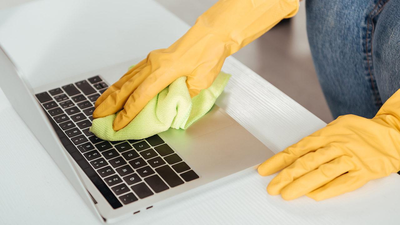 Frühjahrsputz für den Computer - Tastatur reinigen