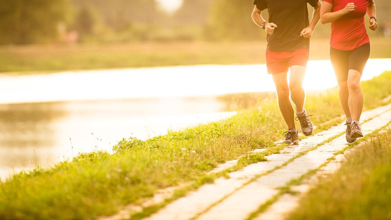 Tipps für Laufeinsteiger - Pärchen läuft