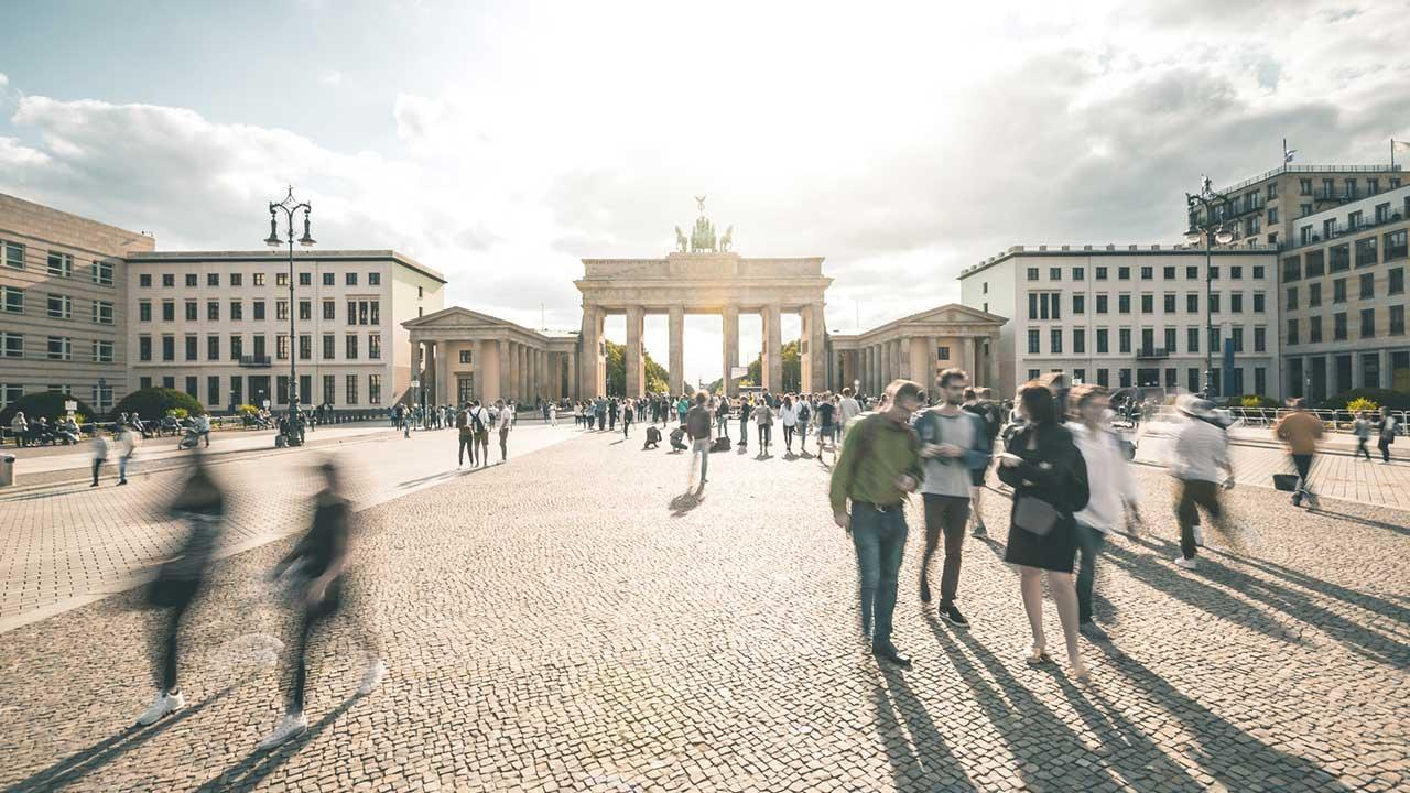 Miete einen E-Scooter und erkunde Berlin - Brandenburger Tor