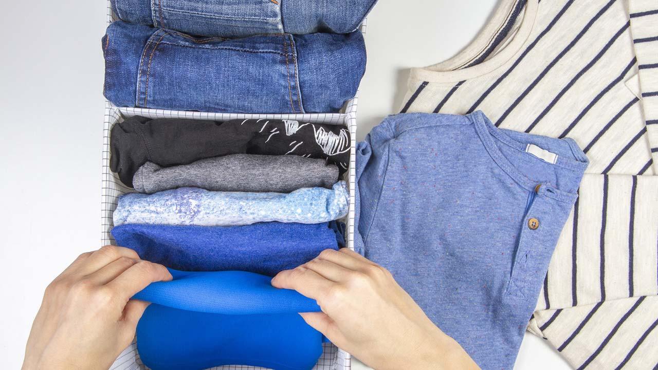 Aufräumen nach Marie Kondo - Kleidung zusammen legen