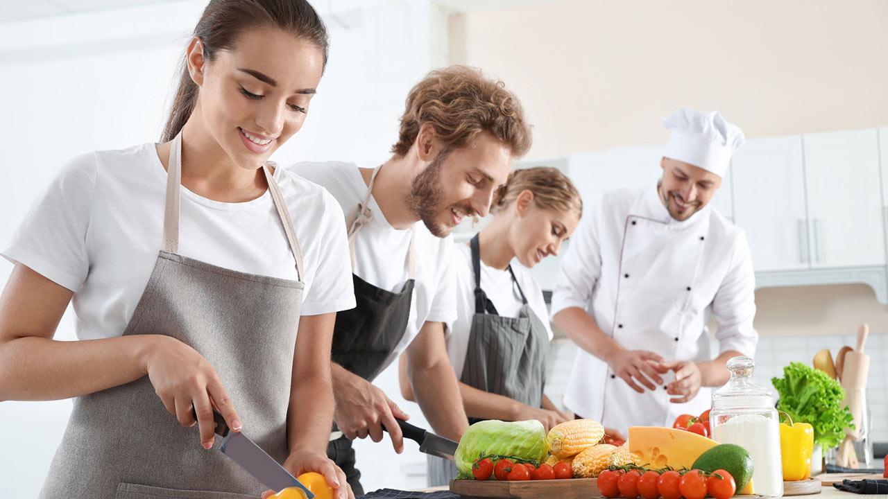 Kochevent - mit oder ohne Profi - Gruppe kocht mit Profi