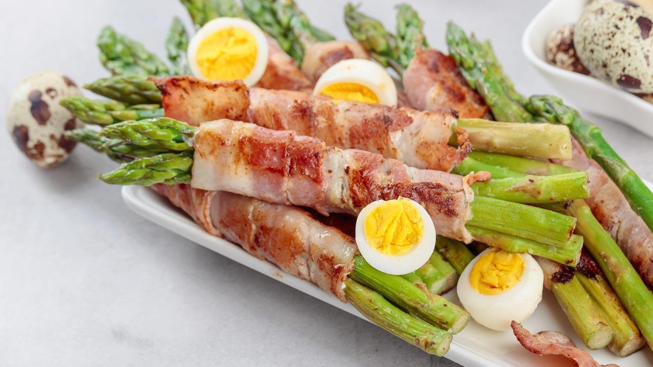 Schnelle Küche mit Spargel - mit Speck gebraten