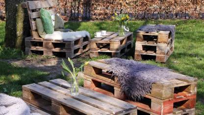 Gartenmöbel aus Paletten selbstgemacht