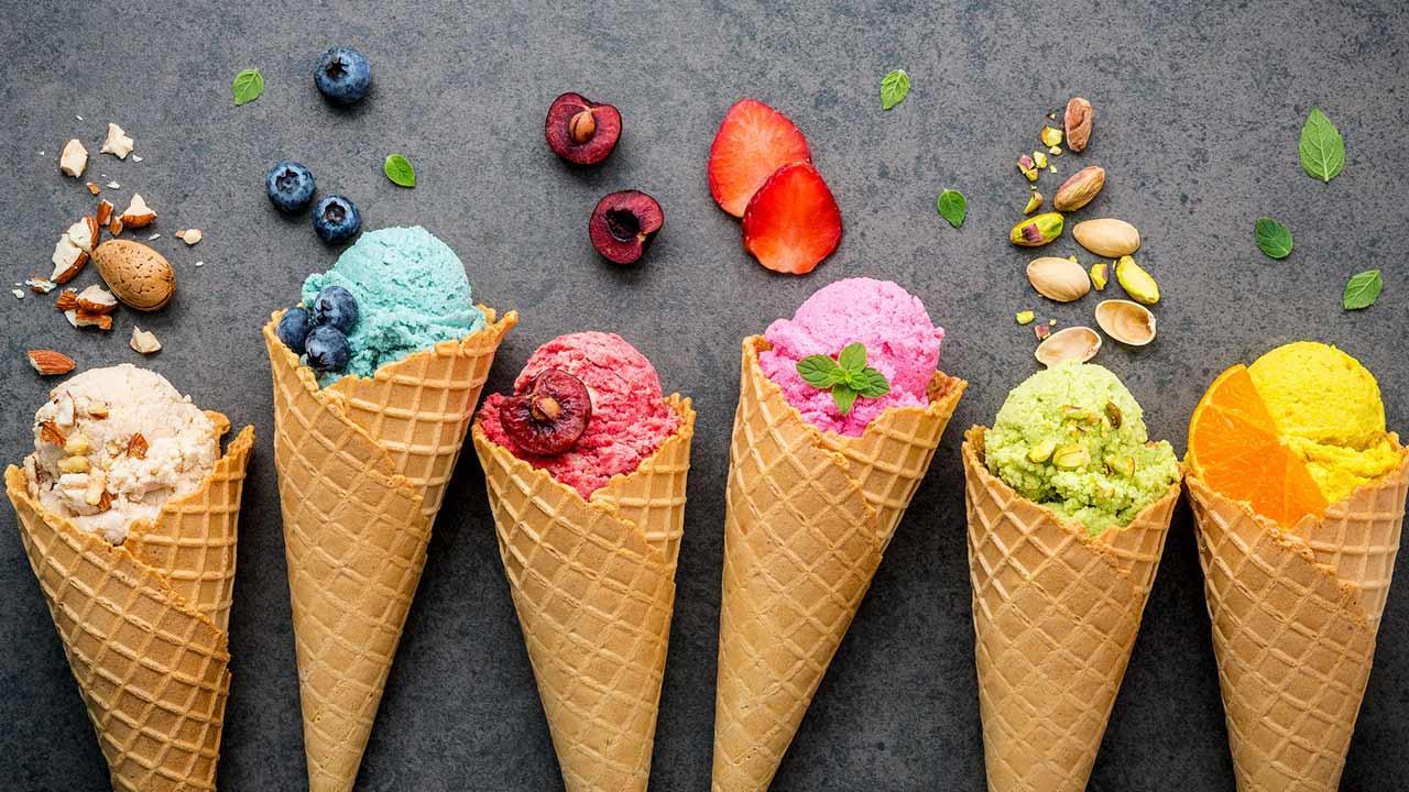 Rezpte für selbstgemachtes Eis / verschieden Sorten von Cremeeis