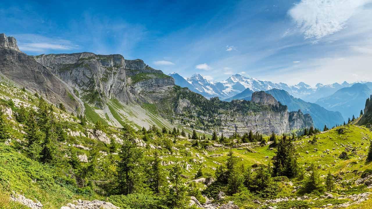 Wandern in der Schweiz - Faulhorn / Panorama-Aussicht auf dem Weg zur Schynige Platte