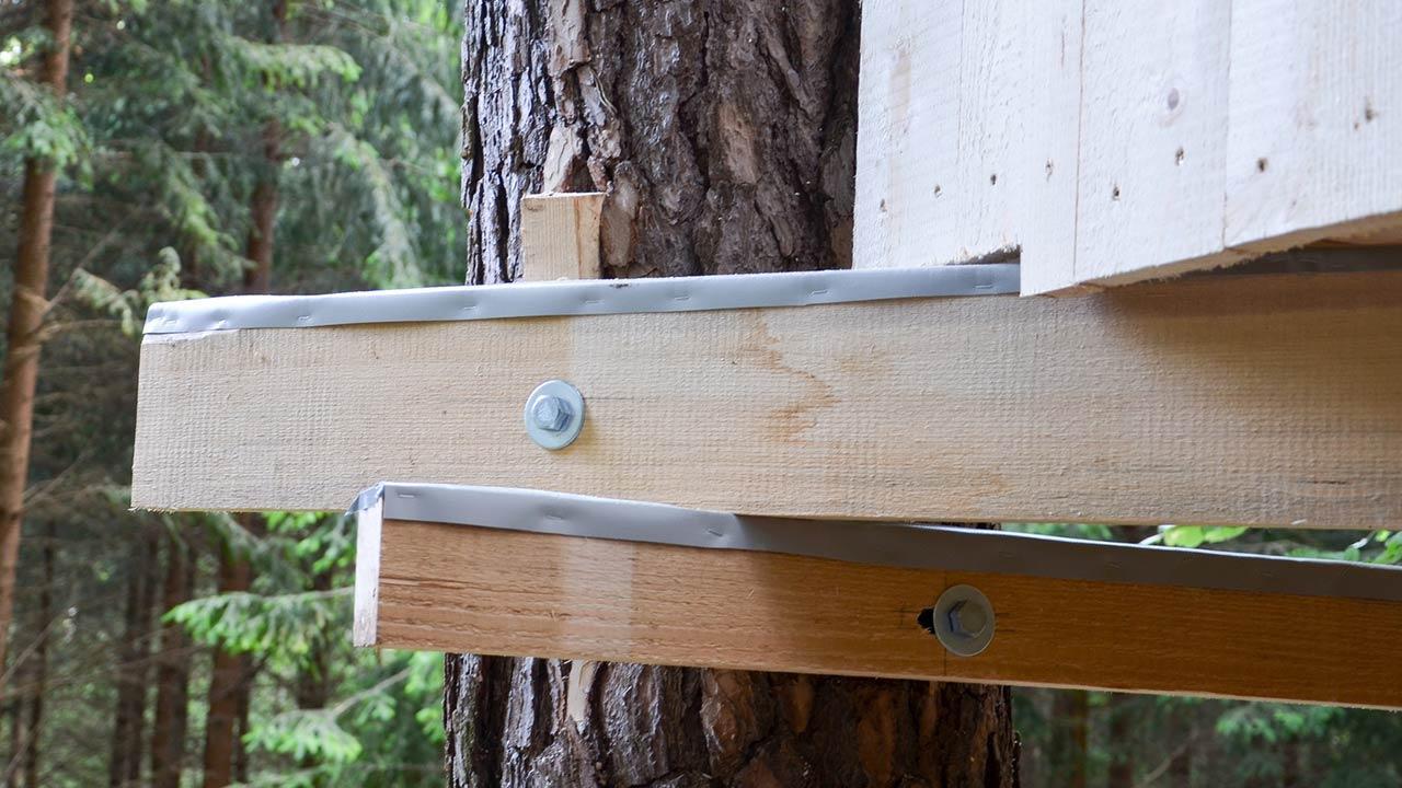 Baumhaus - Vom Kindertraum zum Schlafzimmer in den Bäumen - Balken