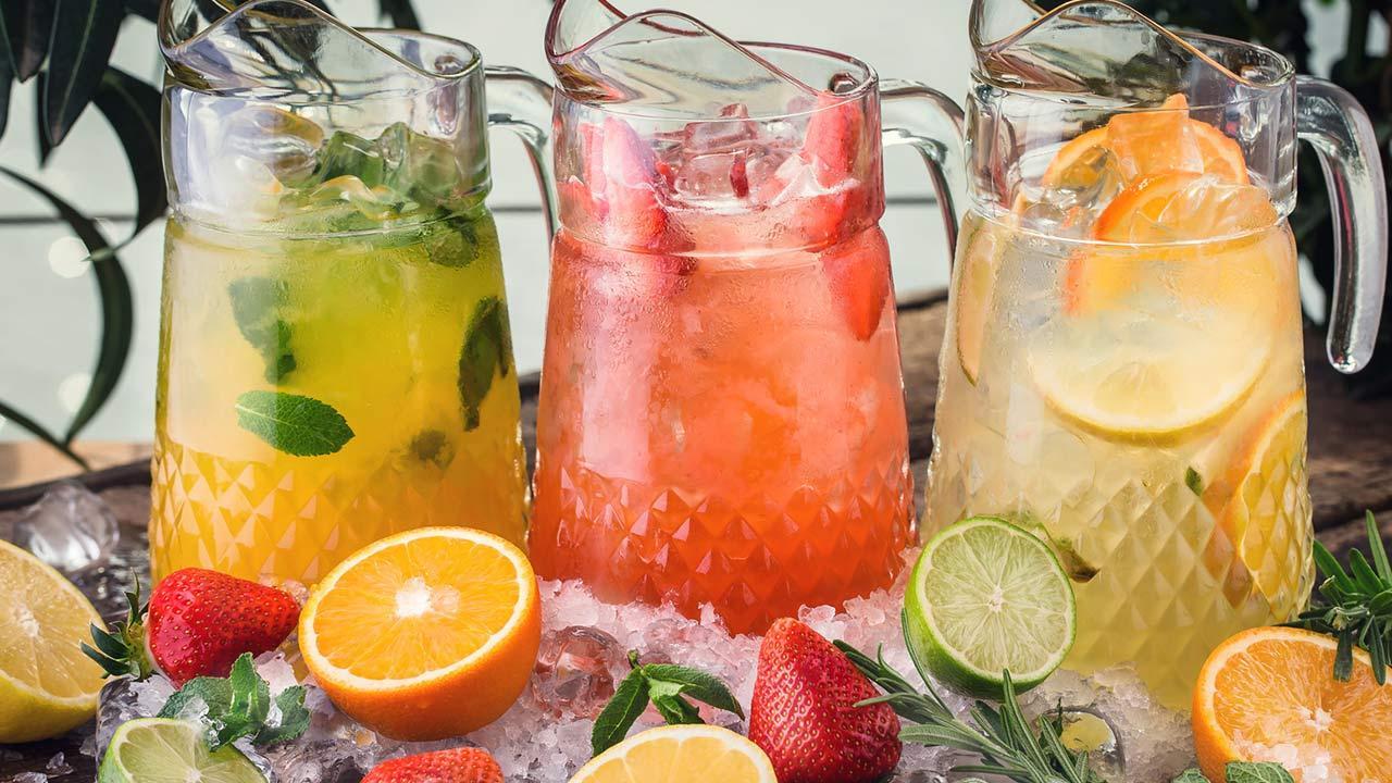Longdrink Tipp im Juli - Erfrischende Sommerfruchtbowle / verschiedene Sommerbowlen