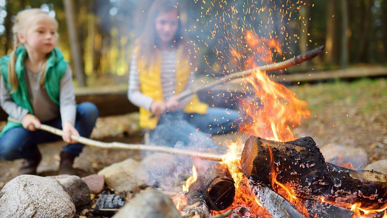 Tipps für eine Sommerparty für Kinder / Mädchen am Lagerfeuer