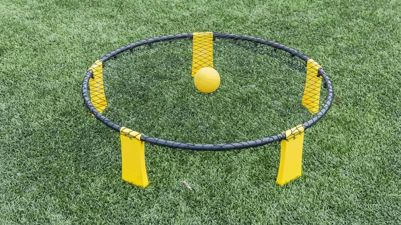 Spikeball - Volleyball mit Trampolin / die Ausrüstung für Spikeball
