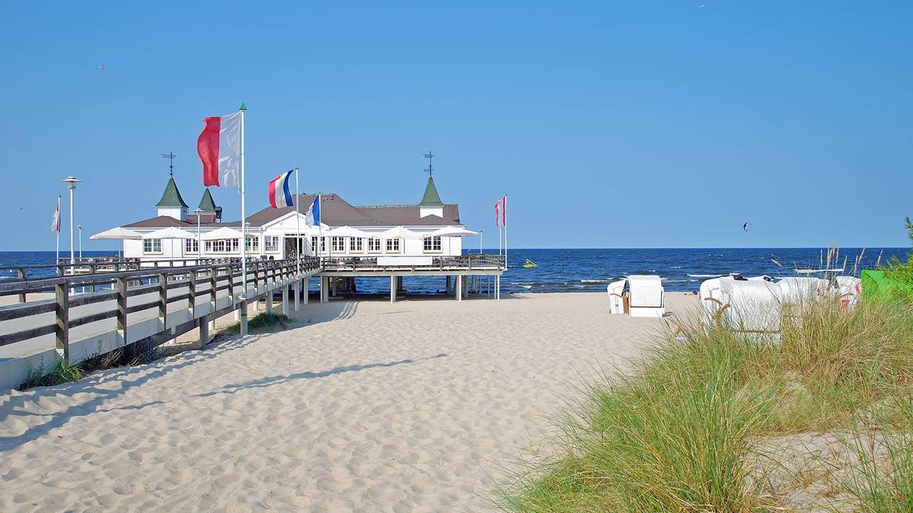 Den Sommer kühl verbringen an der Ostsee / Seebad Ahlbeck