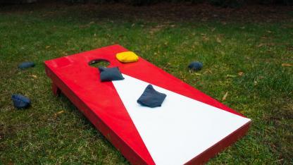 Cornhole - Sandsack werfen im eigenen Garten