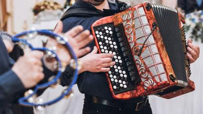 Akkordeon spielen - So legen Sie los