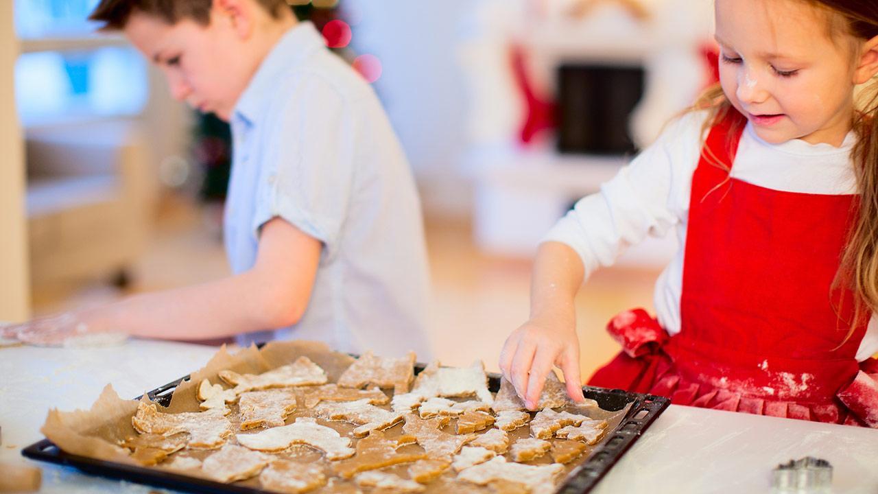 Weihnachtsplätzchen backen mit Kindern / Weihnachtskekse backen