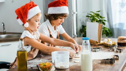 Weihnachtsplätzchen backen mit Kindern