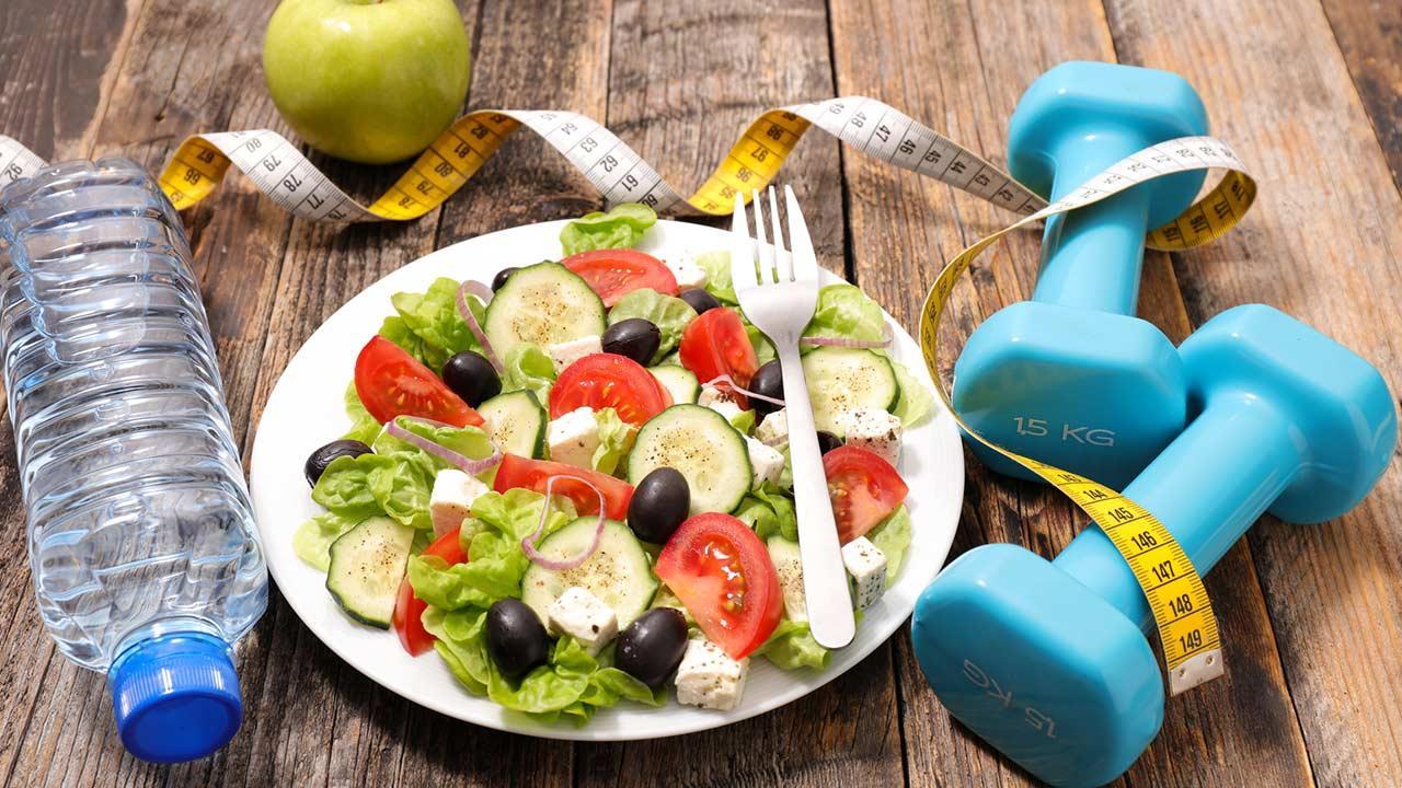 Diättrends 2020 / ein frischer Salat