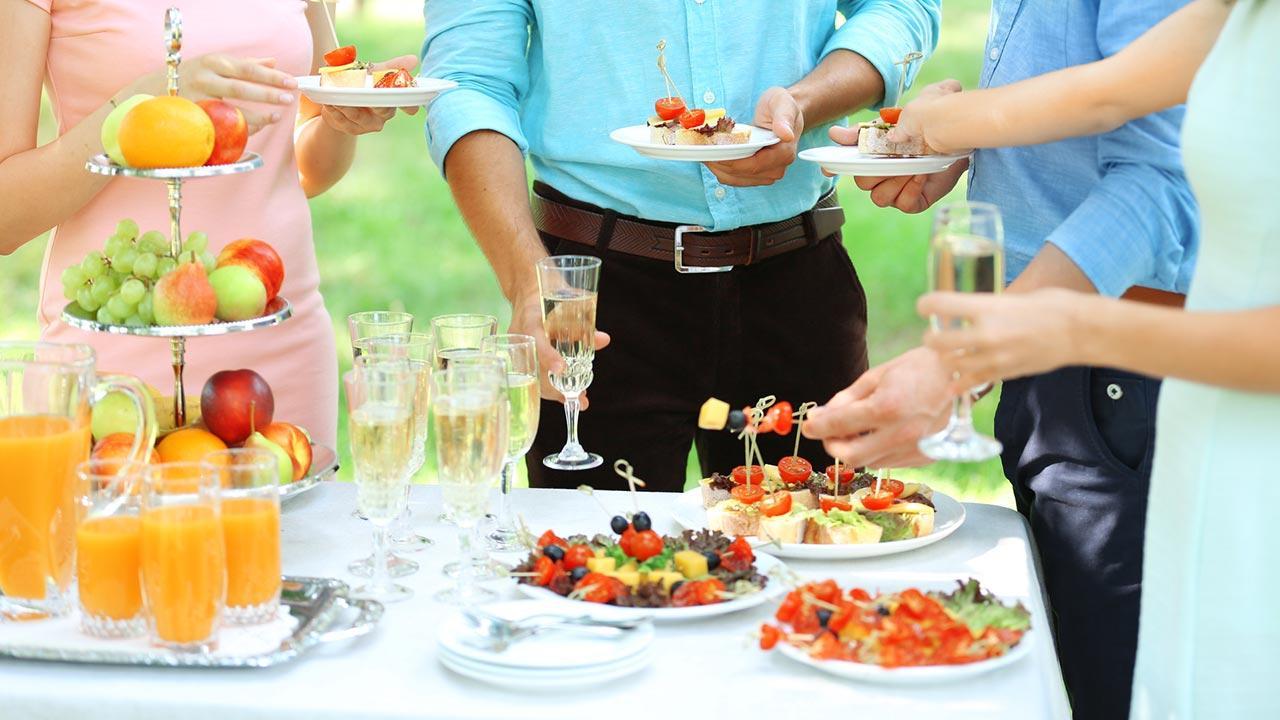 Was brauche ich zur Wintergarten Party - ein Buffett mit Leuten