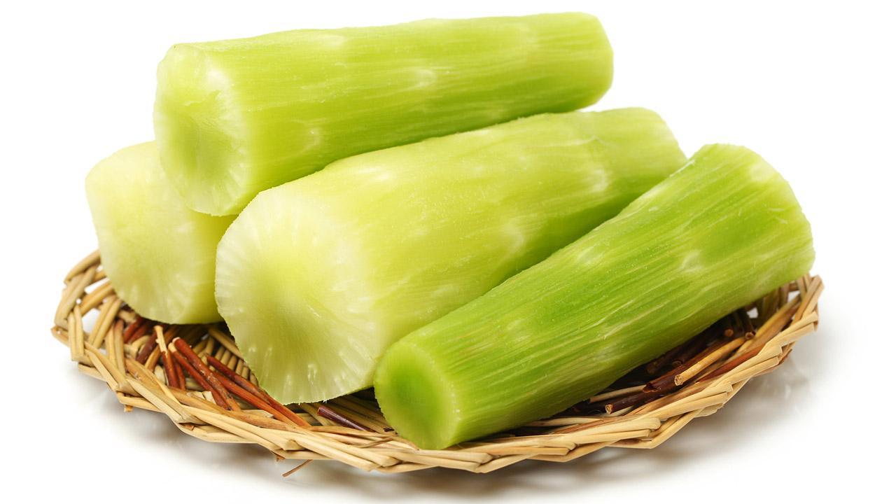 Celtuce das neue Trend Gemüse - Celtuce geschnitten