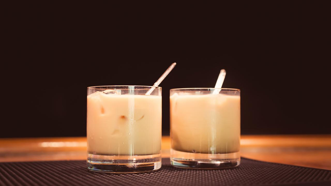 Cocktailklassiker: White Russian - zwei White Russian
