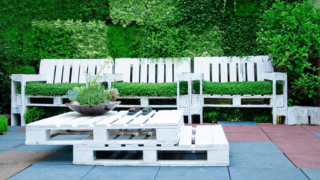 Palettenmöbel selbst gemacht - Gartenmöbel aud Paletten
